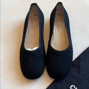 Chanel black flat Ballet shoe